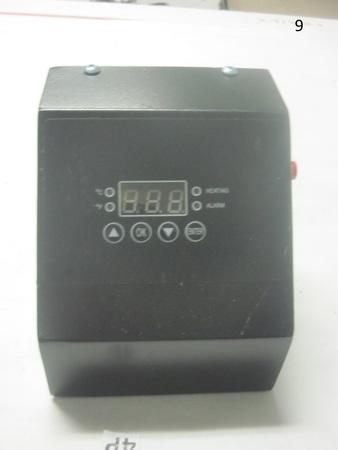 "Temperature Control Box Unit : 4-1/2"" x 5"" x 4-1/2"" Heating Alarm"