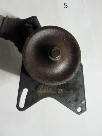 power steering pump : none hard to see last 3 number but the pulley read L1 384660