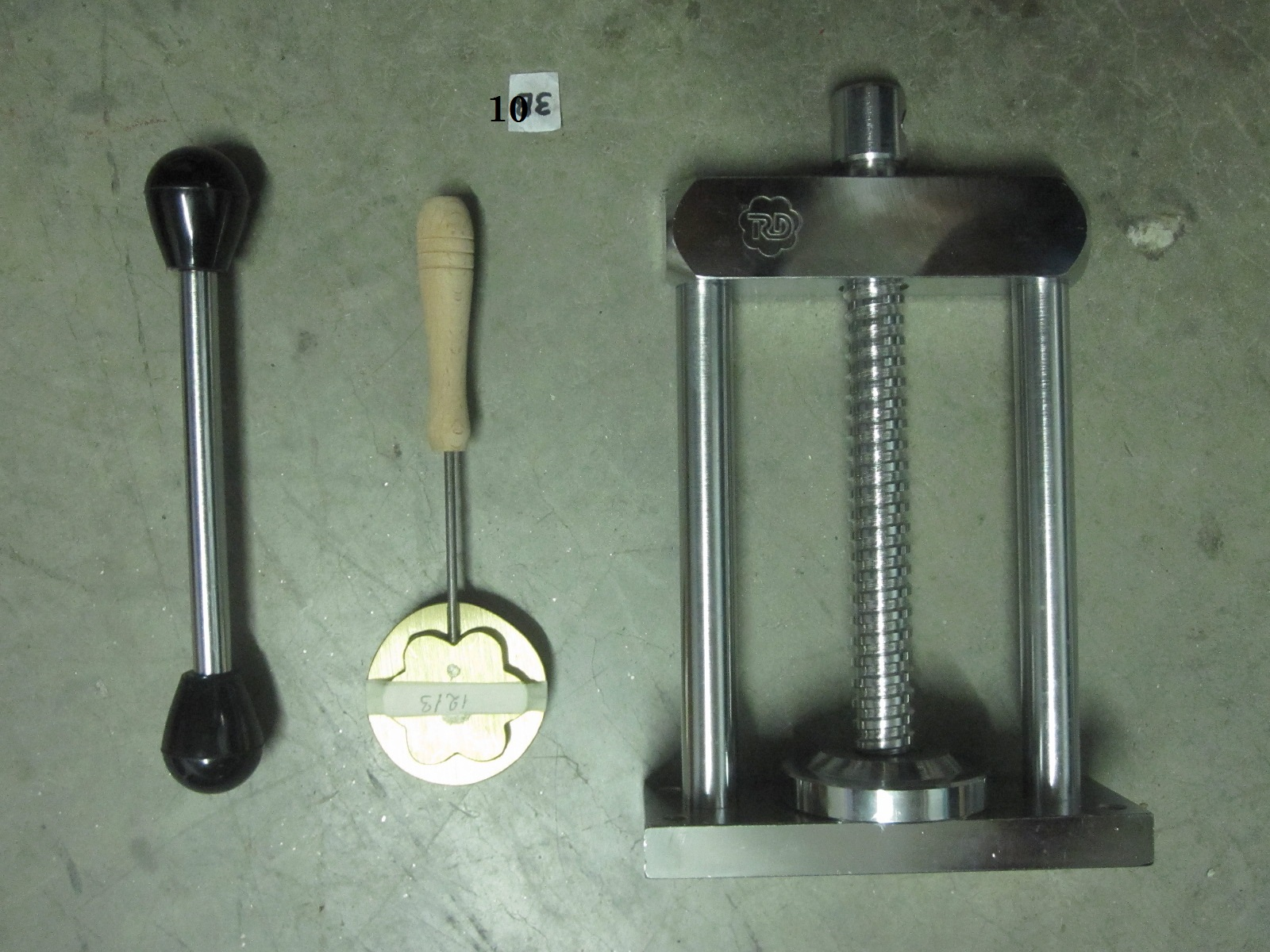 Silk Flower Mold And Hand Press Can Not Find Exactly That